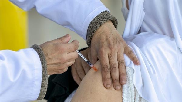 Dünya genelinde 710 milyon dozdan fazla Kovid-19 aşısı yapıldı