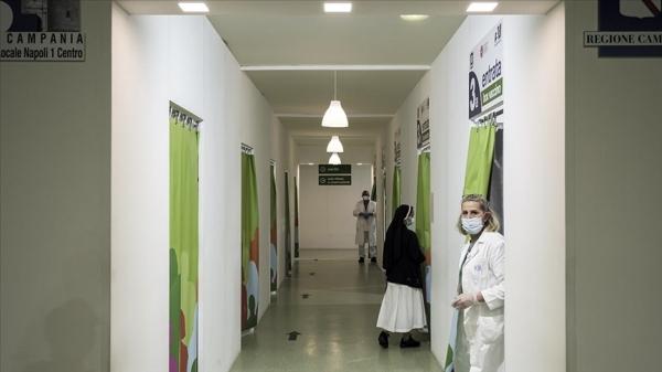 İtalya'da Kovid-19 aşısı tamamlananların oranı yüzde 80'i geçti