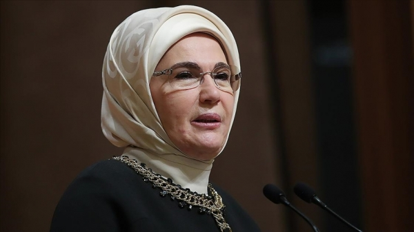 Emine Erdoğan: Salgın süresince insanlığın bütününe annelik yapan kadın sağlık çalışanlarımıza şükranlarımı sunuyorum