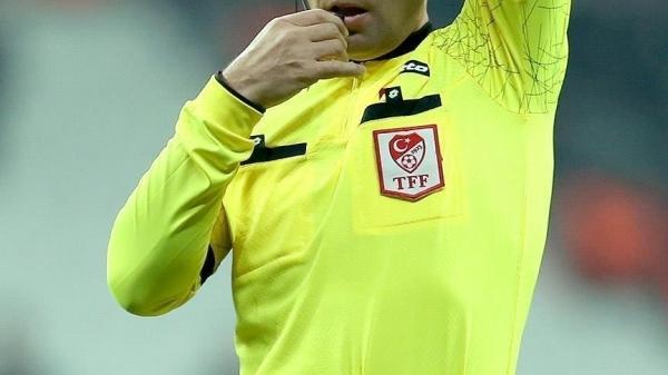 Süper Lig'de 42. ve son hafta maçlarını yönetecek hakemler açıklandı